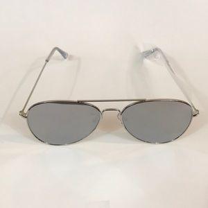 Accessories - Flat Silver Frame Mirrored Aviator Sunglasses!.